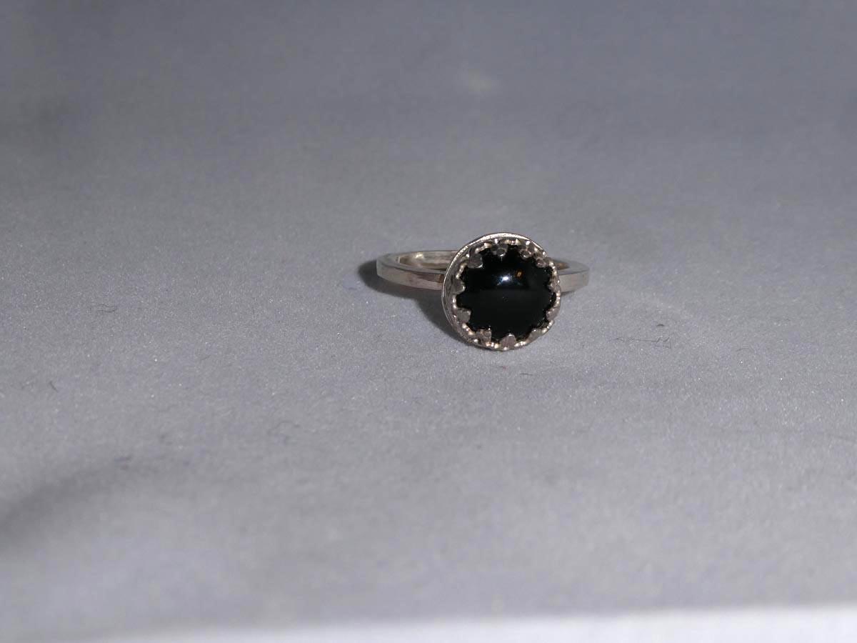 onyx ring med krans