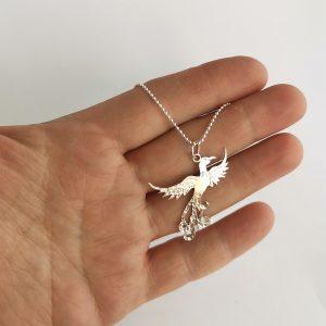 Lilla Fågel Fenix, berlock, sterlingsilver 925 handsmidd av AnnaKarin Pedersen Gårdsliv Pax Mariae AB